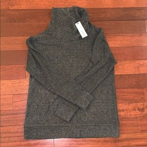 NWT BB Dakota Fuzzy Turtleneck Sweater
